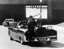 Khoảnh khắc Tổng thống Kennedy bị nhắm bắn