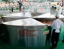 Siêu lẩu lớn nhất Việt Nam: Đường kính 5m, cao 1,2m (!)