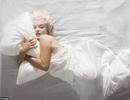 Kate Moss đọ vẻ gợi cảm với Marilyn Monroe