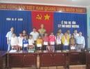 Grobest phối hợp Quỹ Khuyến học Việt Nam và báo Dân trí trao 100 suất quà cho học sinh nghèo vượt khó tại Gia Lai