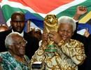 C. Ronaldo và các ngôi sao bóng đá tiếc thương ông Nelson Mandela