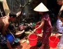 Người Hà Nội khốn đốn vì mất nước trong những ngày nắng nóng