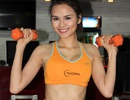 Hoa hậu Diễm Hương khoe cơ thể săn chắc