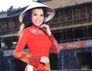 Quý bà Kim Hồng quảng bá Mrs World 2013
