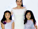 Mỹ Lệ diễn thời trang cùng con gái