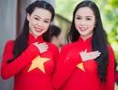 """Mỹ nhân Việt nổi bật với áo màu cờ đỏ sao vàng hát """"Quốc ca"""""""