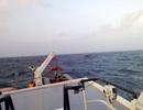 Cứu 12 thuyền viên gặp nạn trên biển Nam Trung bộ