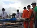Cứu 5 ngư dân gặp nạn trên biển Hoàng Sa