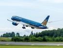 Boeing 787 của Việt Nam trình diễn ấn tượng tại triển lãm hàng không quốc tế
