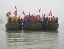 Trang trọng nghi thức rước nước thần sông trong hội Đền vua Mai 2015