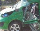 Bị xe tải tông trực diện, tài xế taxi tử vong bên tay lái