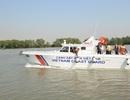 Cảnh sát biển tiếp nhận xuồng tuần tra cao tốc
