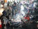 """Những điều thú vị tại chợ """"chồm hổm"""" sinh viên dịp cuối năm"""