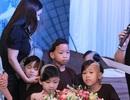 Phi Nhung đi hát nuôi 18 đứa con