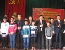 Thứ trưởng Bộ Y tế dành tặng 100 triệu đồng cho phong trào khuyến học xã Cẩm Thạch