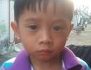 TPHCM: Bé trai 3 tuổi bị lạc đang cần tìm người thân