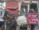 Cần cẩu thi công tuyến metro đổ sập vào nhà dân ở Hà Nội