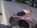 Người đàn ông say xỉn tông vào xe tải, bất tỉnh trên đường