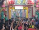 Trắng đêm dâng lễ chùa Bà ngày rằm tháng Giêng
