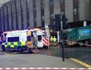 Scotland: Xe rác mất lái đâm vào quảng trường, 6 người chết