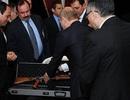 Ông Putin tặng súng AK cho Tổng thống Ai Cập