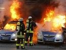 Đức: Người biểu tình phản đối thắt chặt tài khóa, đốt xe cảnh sát