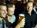 Tranh cãi chuyện Thủ tướng Úc uống một hơi hết vại bia