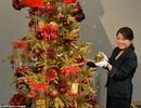 Ngắm cây thông Giáng sinh bằng vàng ròng giá 204 tỉ