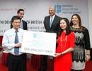 Hoàng tử Anh trao 100 suất học bổng đến giáo viên Việt Nam