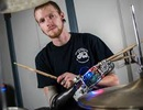 Cánh tay robot giúp người cụt tay chơi nhạc