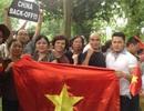 Nghệ sĩ xuống đường phản đối Trung Quốc