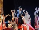 """Trung Quốc """"náo loạn"""" vì vở múa gợi tình Kim Bình Mai"""
