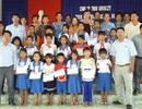Grobest cùng Quỹ KHVN và báo Dân trí trao học bổng đến học sinh nghèo Sóc Trăng