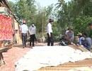 Hàng chục nhà dân hư hại vì sạt lở, giông lốc