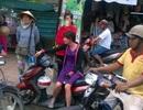 Người phụ nữ bị giật túi giữa phố đông người
