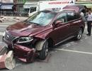 Lexus hơn 4 tỷ gặp nạn trên phố Sài Gòn