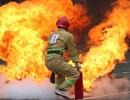 """Cảnh sát PCCC """"lao vào biển lửa"""" tại Hội thao Kỹ thuật chữa cháy"""