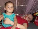 Nước mắt người mẹ trẻ bị ung thư đếm ngược thời gian vĩnh biệt con