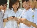 """Thanh niên Việt Nam """"mất"""" 2,2 giờ mỗi ngày để sử dụng điện thoại"""