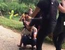 Lại xuất hiện clip nữ sinh bị đánh đến ngất xỉu tại chỗ