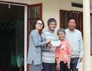 Bé Yến Nhi và ông bà ngoại đã có nhà mới