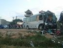 Xe khách lấn làn, tông xe du lịch, một số hành khách bị thương