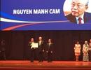 Ông Nguyễn Mạnh Cầm nhận Giải thưởng Nhân dân ASEAN
