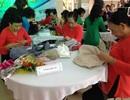 Phụ nữ Đà Nẵng đan áo tặng chiến sĩ Trường Sa