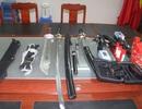 Một sinh viên nghi tàng trữ nhiều vũ khí trái phép