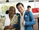 Mike Tyson thân thiết với Trần Bảo Sơn trên phim trường