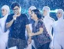 Liveshow Việt Hương ngập trong nước mắt và mưa