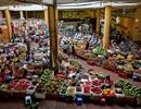 """Giá xăng tiếp tục """"đẩy"""" giá tiêu dùng tại Hà Nội và TP.HCM tăng mạnh"""