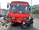 Xác định nguyên nhân vụ xe khách tông 9 người trên cầu vượt
