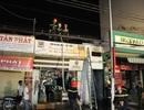 Hoảng loạn vì cháy cửa hàng điện tử sát chợ